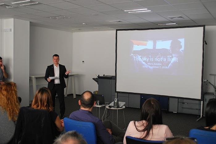 пилотът Марио Бакалов изнася мотивационна лекция