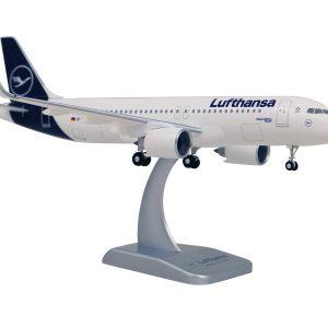 Airbus A320-200 - оригинален макет - нова ливерия