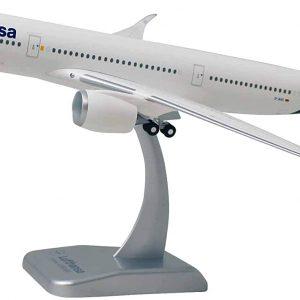 Airbus A350-900 - оригинален макет - нова ливерия