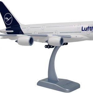 Airbus A380-800 - оригинален макет - нова ливерия