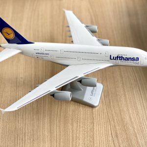 самолет Airbus A380-800 макет от пластмаса с мащаб 1:200, стара ливерия от производител Limox