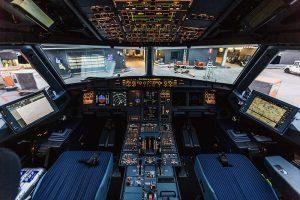 кабината на самолет Боинг 777/200
